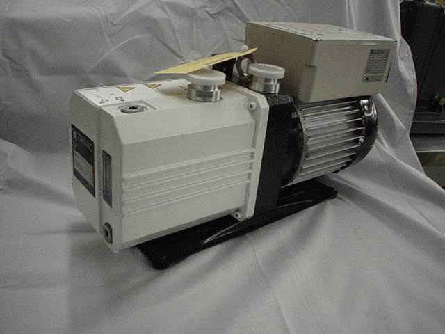 Leybold D10E - Vacuum pump repair and Sales